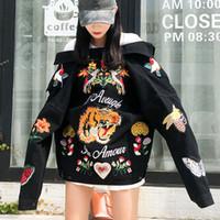 jaqueta feminina mais tamanho denim venda por atacado-Inverno Nova Moda G Roupas Femininas Tiger Bordado Denim Jacket Plus Veludo Grosso De Lã de Cordeiro Bordado Jaqueta Tamanho S-L
