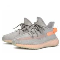 zapatos de tenis casuales para hombre al por mayor-2019 Kanye West v2 Butter Sesame White para Hombre Diseñador Deportes buena Zapatillas de correr para hombre Zapatillas de deporte Mujer Entrenadores casuales con caja