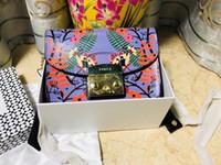 tassels bolsa de tecido venda por atacado-2018 Nova Coin Purse Três Zippers portátil Makeup Bag Mulheres carteira pequena Titular Washer rugas Tecido Telefone Purse Flor Tassel