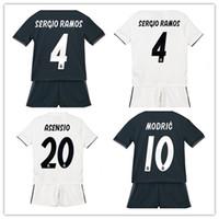 camiseta de fútbol juvenil de españa al por mayor-2019 Kids kit Real madrid España Fútbol Jersey niño chico BALE Modric Kroos Sergio Ramos VINICIUS JR ASENSIO ISCO hogar Jersey