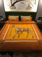оранжевые постельные принадлежности оптовых-Ярко-оранжевый 4шт наборы постельных принадлежностей Новый хлопок Дизайн Письмо Цвета Зимняя простыня Королева Размер постельных принадлежностей