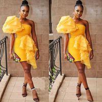 sarı balo bir omuz toptan satış-2019 Chic Altın Kısa Gelinlik Modelleri Bir Omuz Kollu Dantelli Mini sarı Sıkı Abiye giyim Kokteyl Parti Elbise Kadınlar Için Geri Fermuar