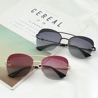 einzigartige männer gläser großhandel-2019 Sonnenbrille Frauen Männer Markendesigner Metallrahmen Einzigartige flache Linse Beschichtung uv400 Sonnenbrille Brillen mit Box und Etuis