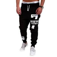 ingrosso sweatpants neri di hip hop-Hip Hop Streetwear Uomo Lettere Stampa Sportwear Baggy Casual Tuta da uomo Pantaloni Pantaloni neri Pantaloni sportivi Taglie forti M-4XL Y19061001