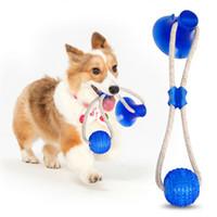 gobelet en caoutchouc achat en gros de-Pet Toy Molar Bite multifonction chien Mordre jouets en caoutchouc Chew dents boule de nettoyage Safe Elasticité Ventouse soins dentaires douce