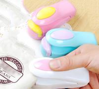 selador de saco de lanche venda por atacado-Mini-aferidor Portátil Aferidor Portátil Saco De Plástico Aferidor De Viagem Mão Imprensa Aferidor Do Calor