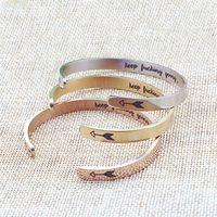 braceletes inspirados para homens venda por atacado-Hot Inspirado Pulseira de Prata / Ouro Keep Going Cuff Pulseiras Pulseiras para As Mulheres Homens De Aço De Titânio Jóias Melhor Amigo Presentes