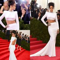 ingrosso vestiti di sirena in rilievo superiore in rilievo-Rihanna sexy in due pezzi vestito da promenade sirena bianco in rilievo collo alto crop top spandex increspato lungo abiti da sera formale aperto indietro maniche lunghe