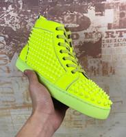 loafers amarelos para homens venda por atacado-Designer de luxo Amarelo de Couro Cravejado Sapatos Homens fundo vermelho sapatos de moda hightop camurça com Spikes Mocassins Rebites casual vestido de tênis