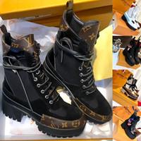 cuña sexy botas altas marrones al por mayor-Plataforma Laureate Botas del desierto Botas de diseñador para mujer Botas Martin Botas de lujo para mujeres más recientes Flamencos Flecha de amor Suelas para trabajo pesado Botas de tobillo