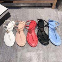 sandalias casuales de cuero de las mujeres al por mayor-2019 Sandalias de diseño de verano de moda c marcas mujeres casual sandalias de cuero mocasines mujeres sandalias sandalias 35-40