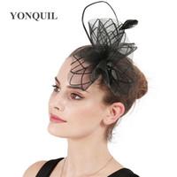 saçları büyüleyici şapkalar toptan satış-Kadın parti fascinator şapka siyah naylon şapkalar fearhers fantezi düğün kadınlar yemeği headdress güzel feamel saç aksesuarları