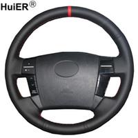 volantes de toyota al por mayor-Cubierta al por mayor de coser de la mano del volante del coche Volant trenza en el volante para Toyota Reiz Mark X 2005 2006 2007 2008 2009