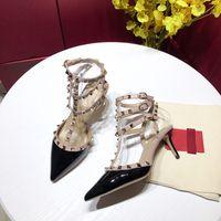 modelo desnuda sexy al por mayor-2019 nuevos zapatos de diseñador de moda de lujo remaches tacones para mujer sandalias de cuero puntiagudas seis zapatos de vestir de color