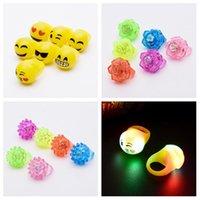 yumuşak oyuncak parıltı toptan satış-LED Halka Rave Parti Sönüyor Yumuşak Jelly Glow Led Işık Yukarı çocuk Halka 100pcs sönen / lot Çocuk Oyuncakları T2G5070