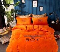 folhas laranja cama venda por atacado-Laranja Brand Design cor sólida Bedding Set Letter Printted inverno de espessura Quilt Fashion Bedding Duvet Luxo Folha de cama Tampa Pillowcase