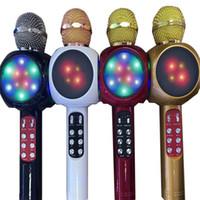 ingrosso luci dell'altoparlante bluetooth mic-Flash Led Light Fashion Microfono senza fili Bluetooth Mic portatile tenuto in mano Karaoke Musica Speaker Festival forniture vendita calda 15cd Ww