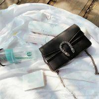 niedliche kleine frauen tasche großhandel-2019 Brand Fashion Designer Woman Bags Niedliche kleine Umhängetasche Exquisite Mini Chain Pack Geneigte Umhängetasche