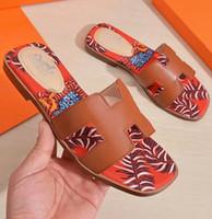 kutuları kes toptan satış-Markalı Kadınlar yaz Deri Oran Sandal Moda Kız Kapalı Kesti Kapalı plaj Düz Kauçuk Taban sandalet Kutusu Ile