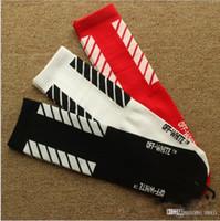 calcetines de baile blancos al por mayor-18SS de alta calidad marca Chao rayas rayas Europa, Japón y Corea del sur monopatín tarjeta de marea baile de calcetines blancos. Calcetines de deporte