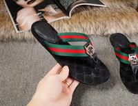 hombres de tanga delgada al por mayor-Tanga de cuero Sandalias Mujer Hombre Lujo Desinger Zapatillas Moda Delgada Negro Chanclas Marca Zapato Ladie Beige Zapatos Sandalias Aletas Zapatos