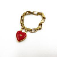 klasik altın kalp bilezik toptan satış-Kadınlar için yeni Kırmızı Kilit Kalp Bilezikler Vintage Metal Yıldız Bileklik Gotik Takı Femme Altın Zincir Charms Bilezik Antik bijoux
