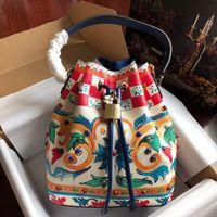 echtes leder mehrfarbige handtasche großhandel-Designer-Art und Weisefrauen 100% echtes Leder hochwertig Farbe druckte Drawstringhandtasche freies Verschiffen