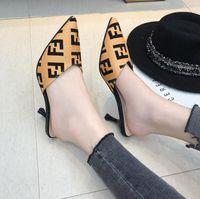 полуботинки оптовых-2019 летние новые босоножки на высоком каблуке шпильках тапочки двойной печати письма носить полутапочки туфли ретро остроконечные женские туфли