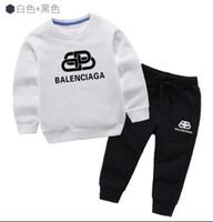 calças de tubarão bebê venda por atacado-New HOT Vender moda estilo clássico de 3-7 anos novos para meninos e meninas clássico Sports Terno infantil do bebê manga curta Roupas Crianças OIDIRED0