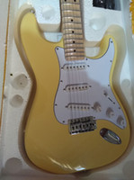guitare chaude achat en gros de-Couleurs pourraient choisir chaud vente bonne qualité stratocaster Yngwie Malmsteen guitare électrique festonné érable manche manche tilleul corps
