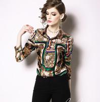 braune langarmhemd frauen großhandel-Schal Kette gedruckt Langarm braune Frauen Blusen mit einreihigen Sommerhemden Revers Hals Mode Damen Hemden