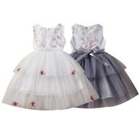 nakış elbisesi kız çocukları toptan satış-Çocuklar Kızlar Prenses Elbiseler Kolsuz Işlemeli Papyon Dantel Elbise Görünmez Fermuar Örgü Elbise Çocuklar Tasarımcı Kız Parti TUTU 1-6 T