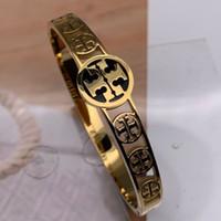 bilezikler için harfler toptan satış-Gül Altın gümüş Manşet Bileklik Bilezik Oyulmuş Logo Yazı Titanyum Çelik Bileklik Klasik Marka Bilezikler Güzel Takı