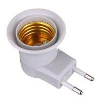 prise de lampe ampoule achat en gros de-Base de lampe E27 Prise de lumière LED pour adaptateur de type UE Convertisseur d'adaptateur pour support de lampe avec bouton marche / arrêt 100V-240V