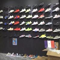 schuhständer speichert großhandel-Schuh-Ausstellungsstand für Schuhgeschäfte Sneaker Casual Rack Schuhe an der Wand-Anzeige, die Halter-Regal zeigt