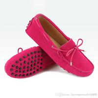 zapatillas mocasines de piel auténtica para hombre. al por mayor-Nuevos zapatos casuales Hombre de cuero genuino de las mujeres zapatos planos 17 colores mocasines casuales zapatos de las mujeres pisos mocasines señora zapatos de conducción