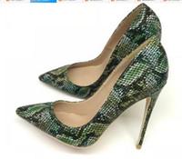 зеленые туфли на высоком каблуке оптовых-19 новый тип зеленые женские красные нижние туфли на каблуках 8см 12см 10см большой размер 45 каспы Тонкий каблук Одиночные туфли Ночной клуб платье банкет свадьба