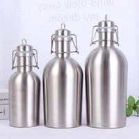 büyük variller toptan satış-2L 64 oz Hip Flask paslanmaz çelik Bira Growler Flip Top Büyük kapasiteli 2 Litre bira şişesi ile salıncak üst 2L tek duvar bira varil fıçı