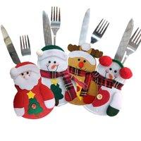 cocina tenedor cuchillo decoraciones al por mayor-Cuchillo de Navidad Tenedor Bolsa Cocina Cubiertos Traje Cubiertos Cubiertos Cuchillos Bolsa de gente Muñeco de nieve en forma de fiesta de Navidad Decoración Suministros