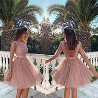 ingrosso vestiti unici mini-Blush Pink Unique Homecoming Dresses 2019 Sexy Backless Una linea di lunghezza del ginocchio Abiti da cerimonia Mini Cocktail Party Dresses 2533
