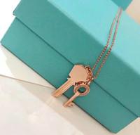 cadeaux pour l'amour achat en gros de-Designer classique Moderne Clés Bijoux Collier de haute qualité en argent sterling 925 pendentif deux en un pendentif amour collier femme cadeau
