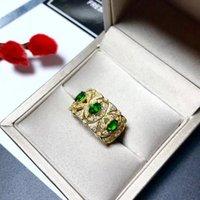 schlüsselring 925 großhandel-Neue 2019 Produkte schlagen Regale zurückhaltende luxuriöse edle Temperamentmode natürlichen Smaragd 925 Silber Damenring