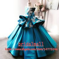 ingrosso vestiti blu dai raso dei bambini-Blue 2019 Perle Appliqued Flower Girl Dresses Fatti a mano Fiori Raso Little Girl Wedding Dress Bambini Bambini Abiti da spettacolo Abiti formali
