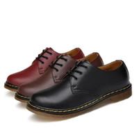 homens sapato sapato venda por atacado-Couro Casual homens oxford sapatos formais Sapatos Sapatos Masculinos Mocassins Moda Na Moda Mocassins Lisos Pretos e Pretos