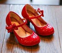 ingrosso scarpe da partito bowtie-2019 nuovi bambini di modo principessa pelle delle ragazze dei pattini di ballo bowtie Sandali lucidi di colore solido scarpe col tacco alto bambini party