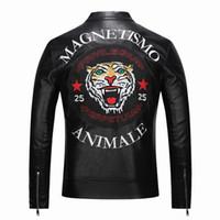 ingrosso giacche in pelle di qualità per gli uomini-Nuovi giubbotti di pelle di moda primavera nuovi nuovi di alta qualità giacche da uomo in pelle moto giacca di marca ricamo tigre
