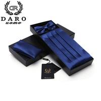kravat kravat hanky toptan satış-Erkek Smokin Kemer Ve Papyon Düğün Örgün Balo Akşam Yemeği Parti Desen ile Papyon Hanky Gravata DB010 Setleri