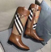 botas de marca auténticas al por mayor-Diseñador de la marca Botas medias para las mujeres de cuero genuino al aire libre Botas de moda a prueba de agua y auténtica calidad exquisita zapatos de mujer