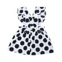ingrosso neonata del vestito dal puntino nero-Summer Kids Girls Cotton Dress Casual senza maniche cinturino in bianco e nero Dot Print Dress Costume Baby Baby Backless Dresses