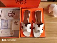 melhores saltos de trabalho venda por atacado-Sandálias das mulheres Designer de Sapatos De Luxo Deslizamento Moda Verão Largo Plano Sandálias Chinelo Flip Flop tamanho 35-42 com caixa